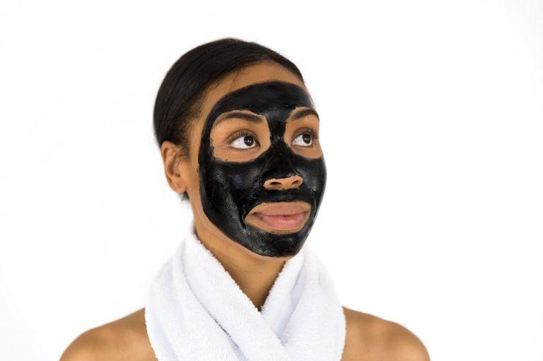 Bentonit Gesichtsmaske